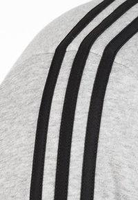 adidas Performance - Essentials 3-Stripes Sweatshirt - Sweater - grey - 2
