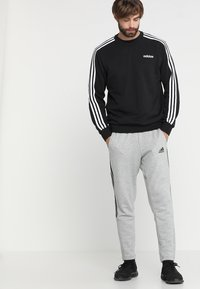 adidas Performance - Essentials 3-Stripes Sweatshirt - Sweatshirt - black/white - 1