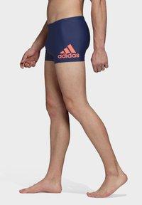 adidas Performance - BADGE SWIM FITNESS BOXERS - Zwemshorts - blue/orange - 3