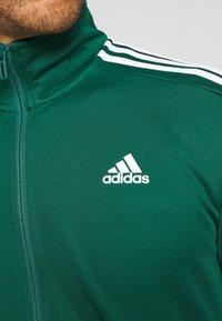 adidas Performance - ATHLETICS TEAM SPORTS TRACKSUIT - Tracksuit - green/white - 9