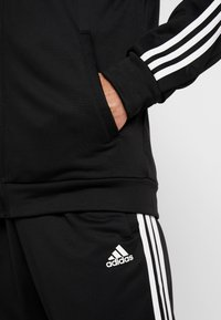 adidas Performance - 3STRIPES AEROREADY ATHLETICS SPORT TRACKSUIT - Tepláková souprava - black/white - 6