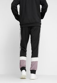 adidas Performance - 3STRIPES AEROREADY ATHLETICS SPORT TRACKSUIT - Tepláková souprava - black/white - 4