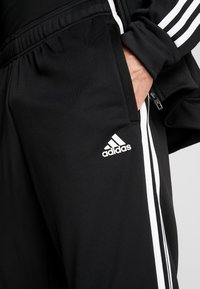 adidas Performance - 3STRIPES AEROREADY ATHLETICS SPORT TRACKSUIT - Tepláková souprava - black/white - 8