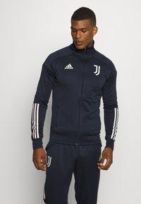 adidas Performance - JUVENTUS AEROREADY SPORTS FOOTBALL TRACKSUIT - Klubové oblečení - legink/orbgry - 0