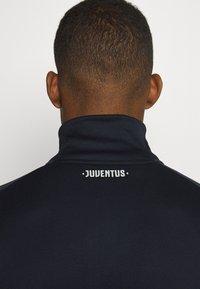 adidas Performance - JUVENTUS AEROREADY SPORTS FOOTBALL TRACKSUIT - Klubové oblečení - legink/orbgry - 8