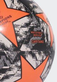 adidas Performance - UCL Finale 19 Manchester United Capitano Football - Fodbolde - orange - 3