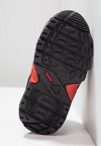 adidas Performance - TERREX RELAXED SPORTY GORETEX MID SHOES - Trekingové boty - grey three/carbon/matt silver - 5