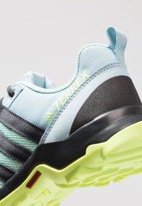 adidas Performance - TERREX AX2R - Outdoorschoenen - clear mint/carbon/hi-res yellow - 2