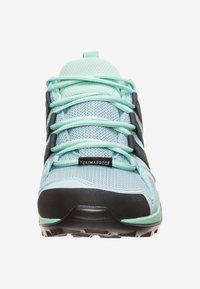 adidas Performance - TERREX AX2R CP - Obuwie hikingowe - ash grey/carbon/clear mint - 2