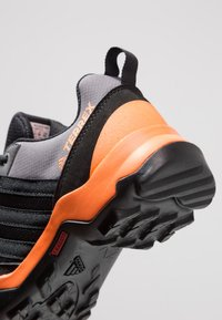 adidas Performance - TERREX AX2R RAIN.RDY - Fjellsko - core black/hi-res orange - 2
