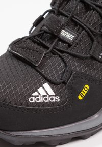 adidas Performance - TERREX MID GTX - Hiking shoes - core black/vista grey - 5