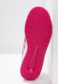 adidas Performance - ALTASPORT - Chaussures d'entraînement et de fitness - footwear white/real magenta - 5