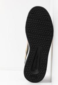 adidas Performance - ALTASPORT - Scarpe da fitness - core black/active gold/footwear white - 5