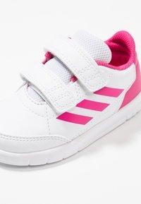 adidas Performance - ALTASPORT CF - Trainings-/Fitnessschuh - footwear white/real magenta - 2