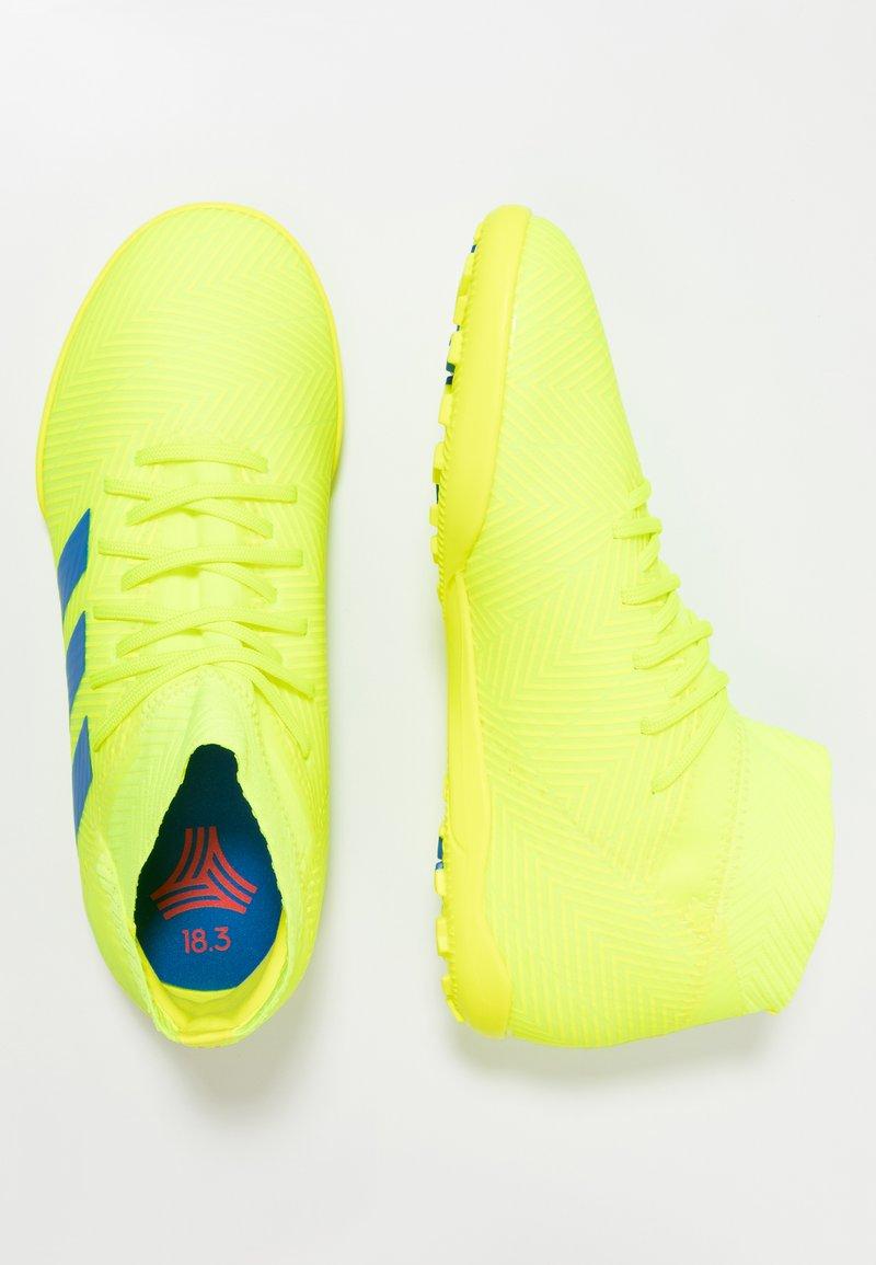 adidas Performance - NEMEZIZ 18.3 TF - Voetbalschoenen voor kunstgras - solar yellow/football blue/active red