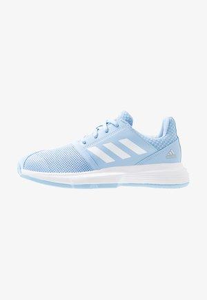 COURTJAM - Clay court tennis shoes - glow blue/footwear white/silver metallic