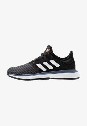 SOLECOURT XJ - Tennisschoenen voor kleibanen - core black/footwear white/tech ink