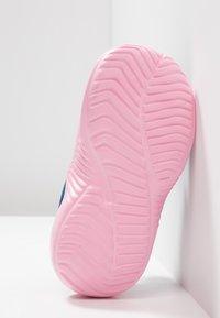 adidas Performance - FORTARUN X CF - Laufschuh Neutral - legend marine/true pink/footwear white - 5