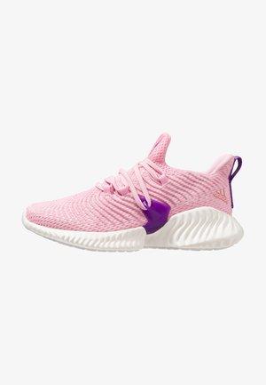 ALPHABOUNCE INSTINCT - Neutrální běžecké boty - true pink/active purple/cloud white