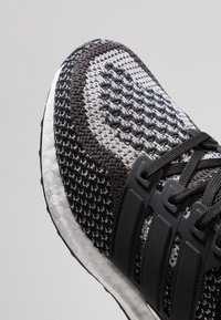 adidas Performance - ULTRABOOST  - Hardloopschoenen neutraal - clear black/silver metallic - 2