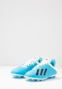 adidas Performance - X 19.4 FXG - Voetbalschoenen met kunststof noppen - bright cyan/core black/shock pink - 3