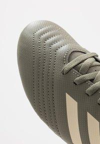 adidas Performance - PREDATOR 19.4 FXG - Voetbalschoenen met kunststof noppen - legend green/sand/solar yellow - 2