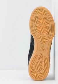 adidas Performance - PREDATOR 19.4 IN SALA  - Scarpe da calcetto - core black/bright cyan/solar yellow - 5