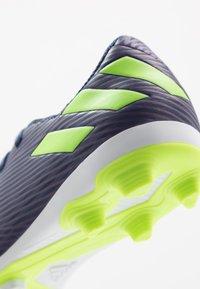 adidas Performance - NEMEZIZ MESSI 19.4 FXG - Fodboldstøvler m/ faste knobber - tech indigo/signal green/glow purple - 2