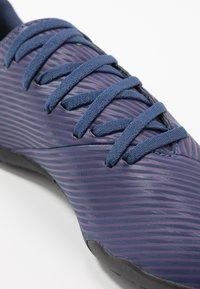adidas Performance - NEMEZIZ MESSI 19.4 TF - Korki Turfy - tech indigo/signal green/glow purple - 2