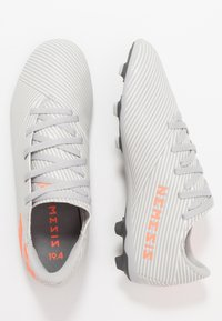 adidas Performance - NEMEZIZ 19.4 FXG - Voetbalschoenen met kunststof noppen - grey two/solar orange/white - 0