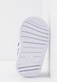 adidas Performance - ALTARUN CF - Chaussures de running neutres - blue/footwear white - 5