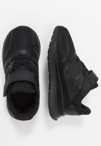 adidas Performance - RUNFALCON CLASSIC RUNNING SHOES - Zapatillas de running neutras - core black - 0