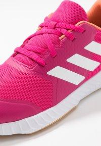 adidas Performance - FORTAGYM - Chaussures d'entraînement et de fitness - real magenta/footwear white/semi coral - 5