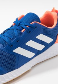 adidas Performance - FORTAGYM - Gym- & träningskor - clear royal/footwaer white/solar orange - 2