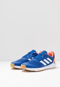 adidas Performance - FORTAGYM - Sportovní boty - clear royal/footwaer white/solar orange - 3