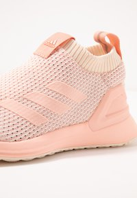 adidas Performance - RAPIDARUN LL KNIT - Scarpe running neutre - ecru tint/glow pink - 5