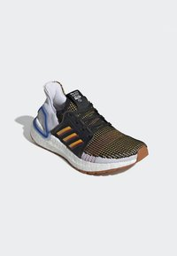 adidas Performance - ULTRABOOST 19 - Chaussures de running neutres - cblack/actgol/scarle - 9