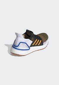 adidas Performance - ULTRABOOST 19 - Chaussures de running neutres - cblack/actgol/scarle - 8