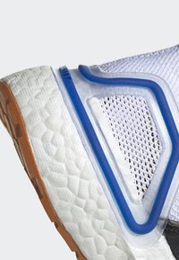 adidas Performance - ULTRABOOST 19 - Chaussures de running neutres - cblack/actgol/scarle - 4