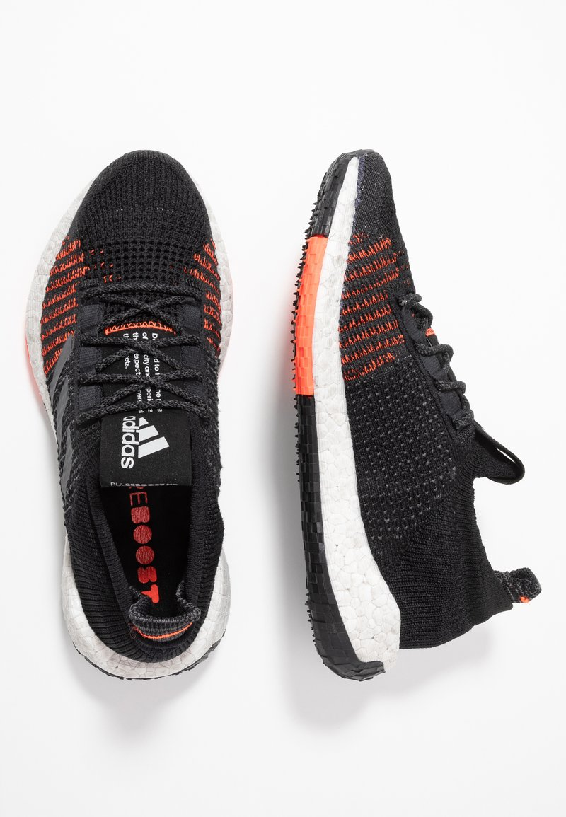 adidas Performance - PULSEBOOST HD - Hardloopschoenen neutraal - core black/grey five/solar red