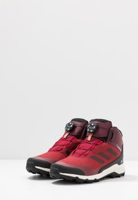 adidas Performance - TERREX WINTER MID BOA - Stivali da neve  - active maroon/core black/semi coral - 3