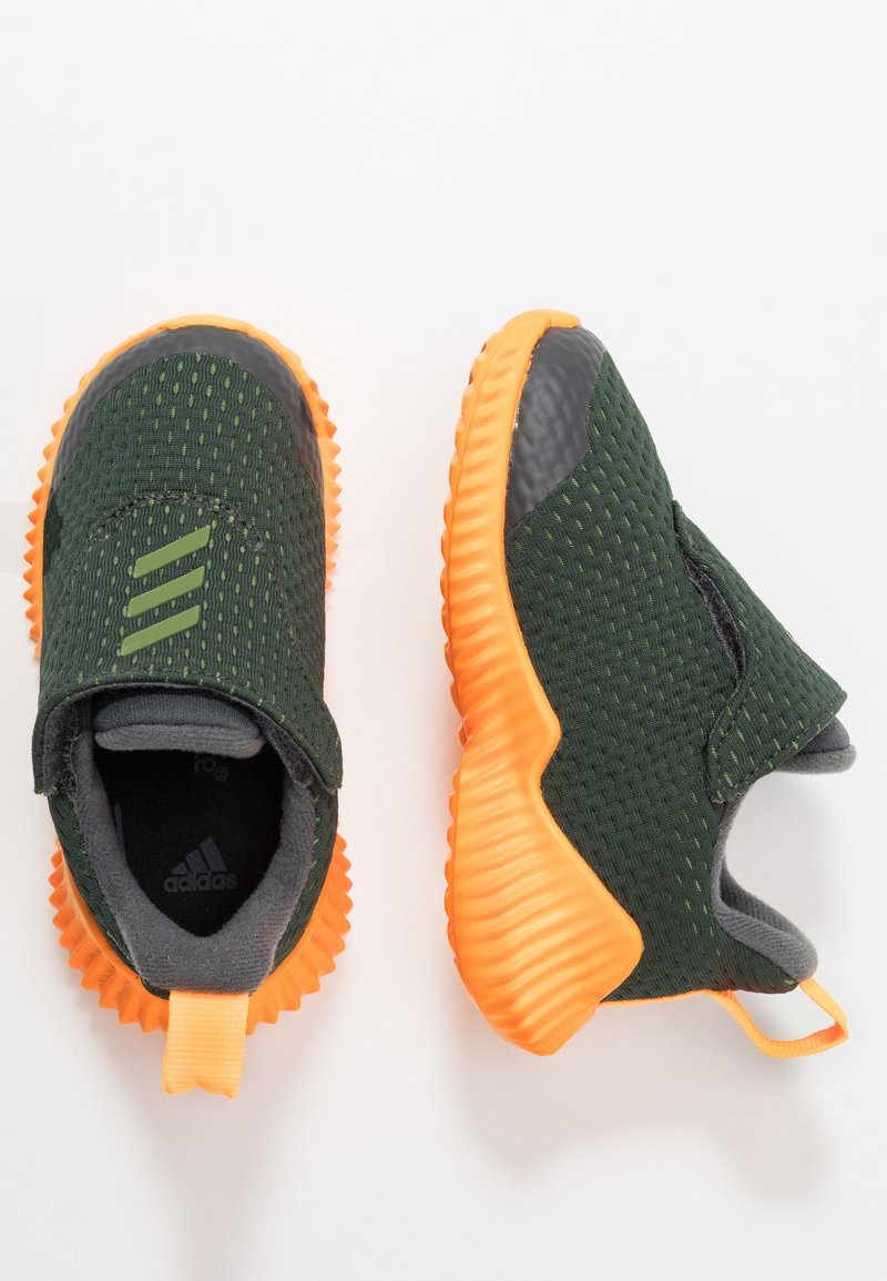 adidas Performance - FORTARUN - Hardloopschoenen neutraal - grey six/tech olive/footwear white