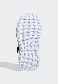 adidas Performance - RAPIDARUN SHOES - Hardloopschoenen neutraal - black - 5