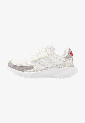 TENSAUR RUN - Neutrální běžecké boty - orbit grey/footwear white/grey