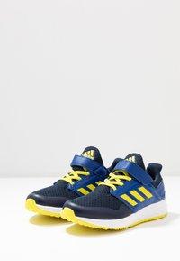 adidas Performance - FORTAFAITO - Hardloopschoenen neutraal - collegiate navy/shock yellow/collegiate royal - 3