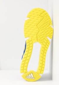 adidas Performance - FORTAFAITO - Hardloopschoenen neutraal - collegiate navy/shock yellow/collegiate royal - 5