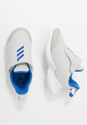FORTARUN - Chaussures de running neutres - grey one/glow bĺue/footwear white
