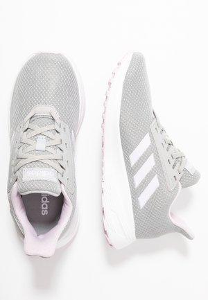 DURAMO 9 - Scarpe running neutre - grey two/aero pink/footwear white