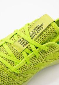 adidas Performance - FORTAREFINE  - Hardloopschoenen neutraal - semi solar slime - 2