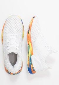 adidas Performance - RAPIDARUN - Obuwie do biegania treningowe - footwear white/royal blue - 0